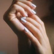 448px-Female_hands
